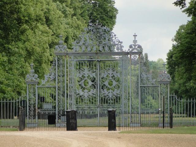 Hampton Court Palace Car Park Opening Times